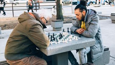 Cómo lograr que los jóvenes eliminen sus prejuicios sobre la vejez - envejecimiento, Sociedad