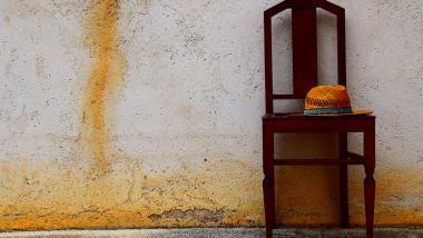 Uno de cada seis ancianos está en riesgo de pobreza en España  - Economía, envejecimiento