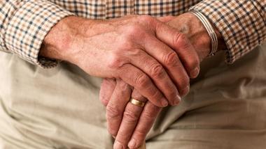 Un nuevo instrumento evalúa la atención a los mayores en las residencias - Investigación, Sociedad