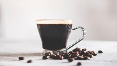 """El café podría hacer que vivas unos """"añitos"""" más - Investigación, Sociedad"""
