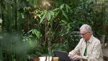 Nuevas Tecnologías y Derechos Personalísimos - Tribuna Abierta, Envejecimiento