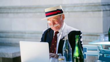 Diseño UX desde la perspectiva de una persona mayor: qué saber - Sociedad, Envejecimiento