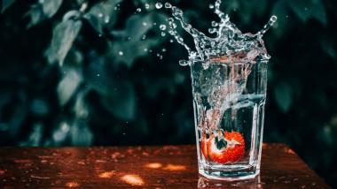 Hidratarse es más que beber agua - Salud, Envejecimiento